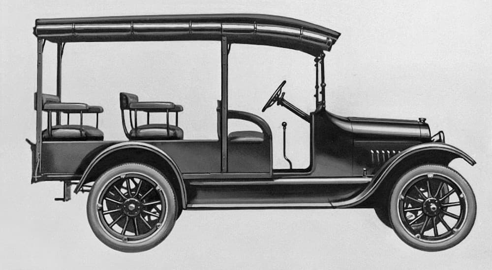 A drawing shows a 1918 Chevy Model 490.